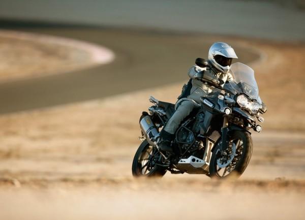 Triumph Explorer 1200: más equipada, mismo precio