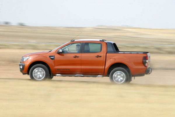Ford Ranger Wildtrack accion 30