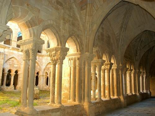 Resultado de imagen de monasterio santa maria de la real de aguilar de campoo