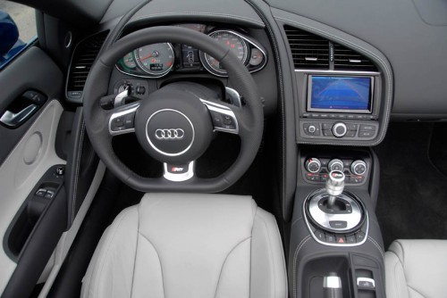 Audi R8 42 FSI Spyder S tronic 85