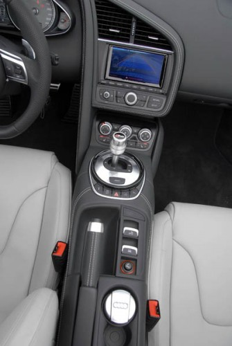Audi R8 42 FSI Spyder S tronic 86