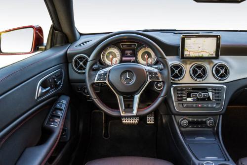 Mercedes Benz, CLA 220 CDI Sport Patagonienrot, Fahrveranstaltung St.Tropez 2013, AMG Design