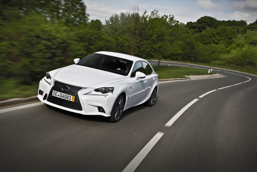 Lexus IS300h 2013 39