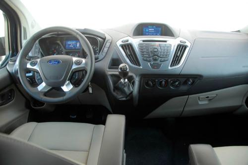Ford Tourneo Custom 01